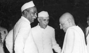 c-rajagopalachari-with-nehru-and-dr-rajendra-prasad